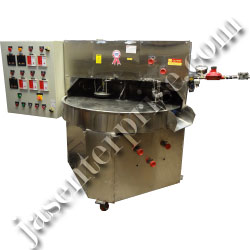 Rotary indexing type chapati machine